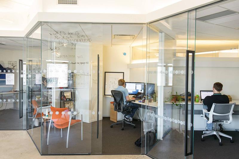 Kinh nghiệm thuê thiết kế nội thất văn phòng